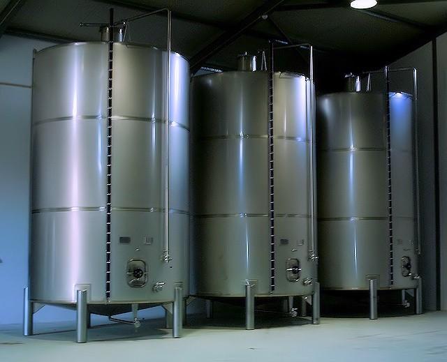 cubas-de-armazenagem-para-vinho-em-aco-inox-06