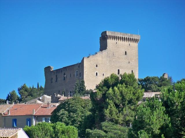 Chateau_de_Chateauneuf_du_Pape.jpg